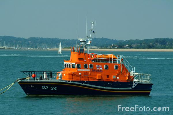 Picture of RNLI Lifeboat, Solent Water, Hampshire - Free Pictures - FreeFoto.com
