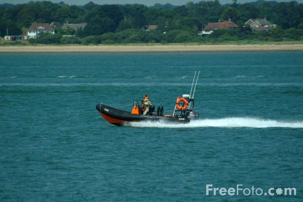 Picture of Solent Water, Hampshire - Free Pictures - FreeFoto.com