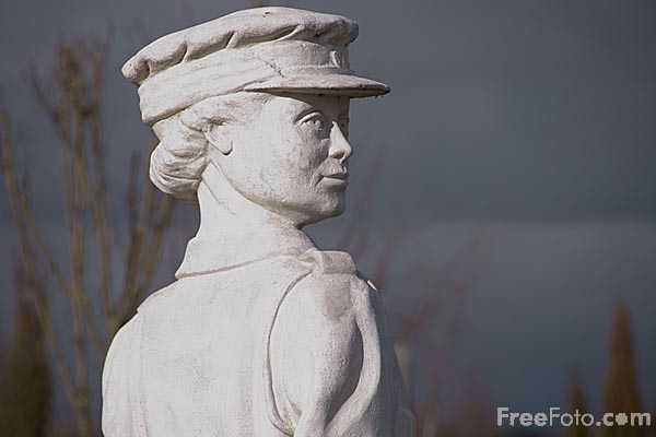 Picture of Someone To Watch Over Me, National Memorial Arboretum - Free Pictures - FreeFoto.com