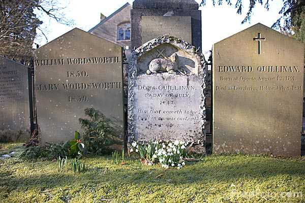 Picture of Grave of William Wordsworth - Free Pictures - FreeFoto.com