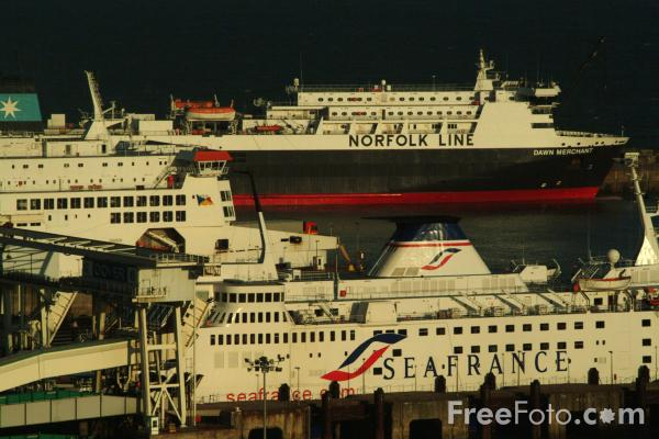 Picture of Port of Dover, England - Free Pictures - FreeFoto.com
