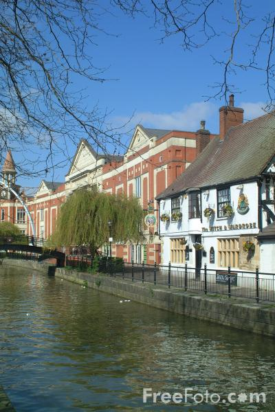 Picture of The Witch and Wardrobe Pub, Waterside, Lincoln, England - Free Pictures - FreeFoto.com