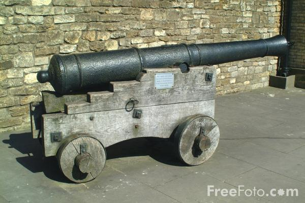 Picture of Cannon, Lincoln Castle, England - Free Pictures - FreeFoto.com