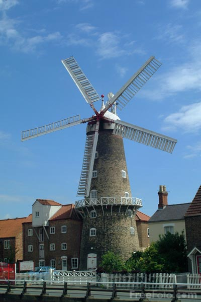 Picture of Maud Foster Windmill, Boston, Lincolnshire - Free Pictures - FreeFoto.com