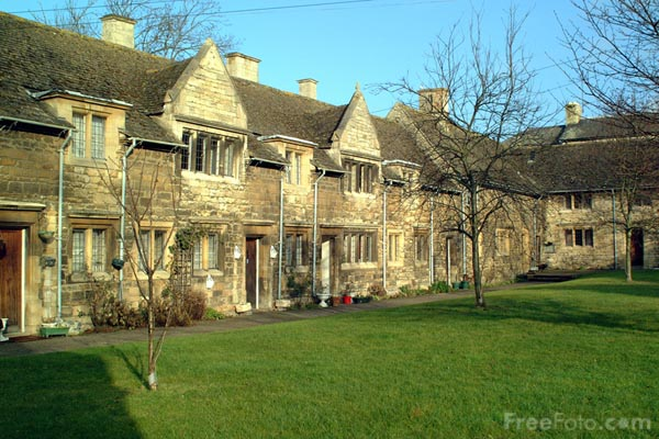 Picture of A small group of well preserved Almshouses. - Stamford - Free Pictures - FreeFoto.com
