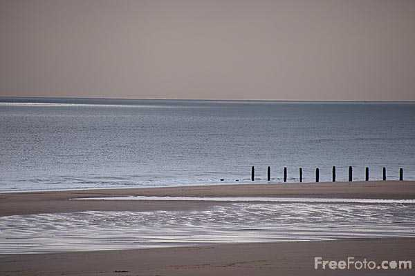 Picture of Blyth South Beach on the Northumbrian Coast - Free Pictures - FreeFoto.com