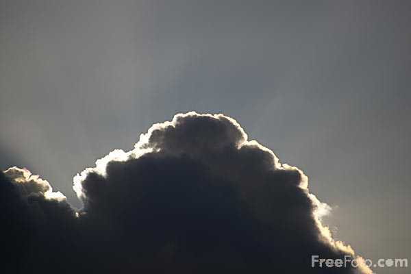 Picture of CLouds and sunlight - Free Pictures - FreeFoto.com