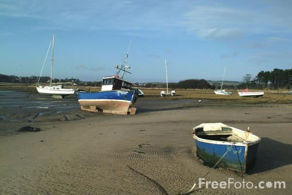 Picture of Fishing Boat, Alnmouth Harbour - Free Pictures - FreeFoto.com