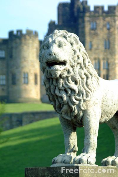 Picture of Alnwick Castle - Free Pictures - FreeFoto.com
