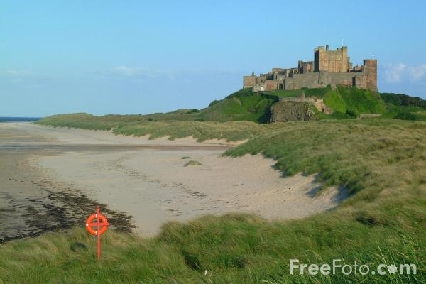 Picture of Bamburgh Castle, Northumberland, England - Free Pictures - FreeFoto.com