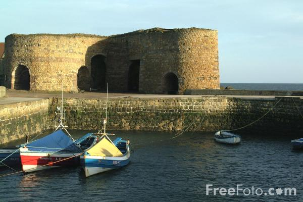 Picture of Harbour, Beadnell - Free Pictures - FreeFoto.com