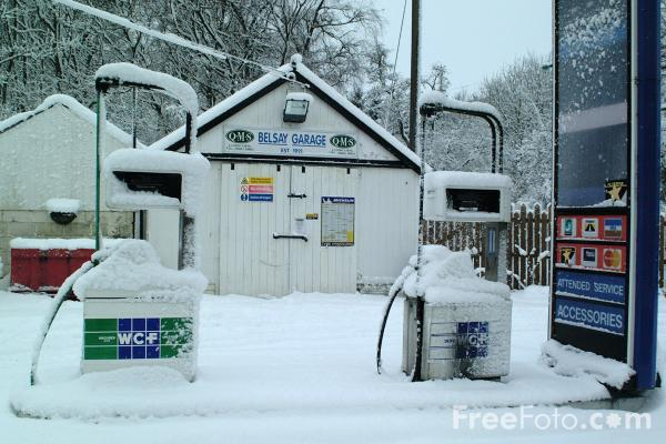 Picture of Belsay Village Petrol Station - Free Pictures - FreeFoto.com