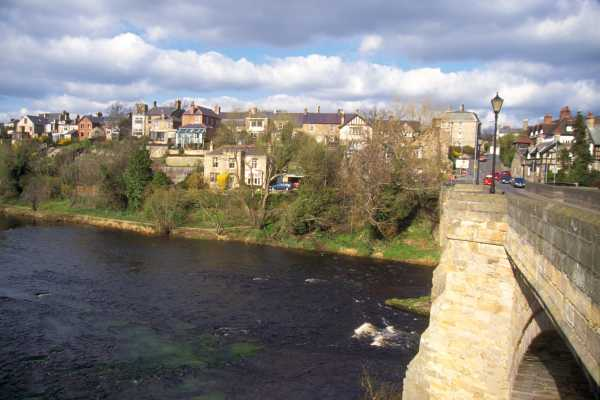 Picture of The River Tyne, Corbridge - Free Pictures - FreeFoto.com