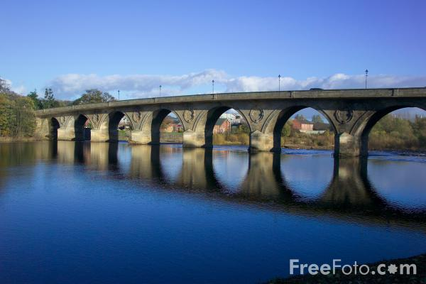 Picture of Hexham Bridge, Hexham, Northumberland - Free Pictures - FreeFoto.com