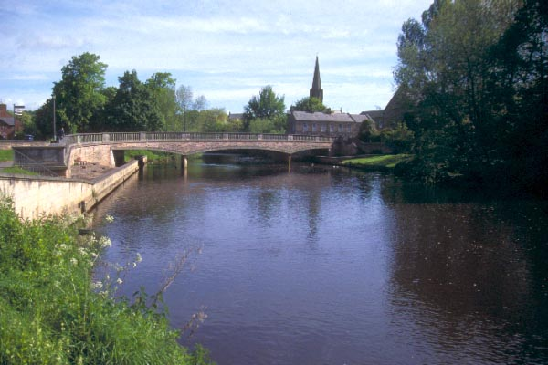 Picture of Bridge over the River Wansbeck, Morpeth - Free Pictures - FreeFoto.com