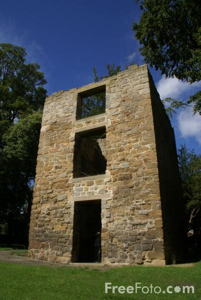 Picture of Peel Tower, Ponteland - Free Pictures - FreeFoto.com