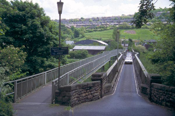 Picture of River Tyne Crossing - Ovingham / Prudhoe - Free Pictures - FreeFoto.com