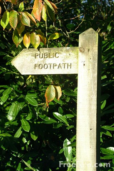Picture of Public Footpath, Stamfordham, Northumberland - Free Pictures - FreeFoto.com