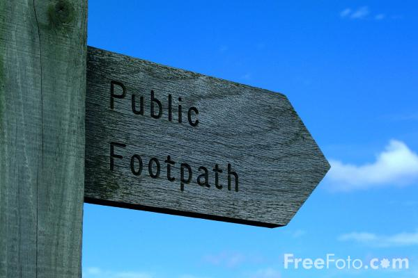 Picture of Public Footpath - Free Pictures - FreeFoto.com