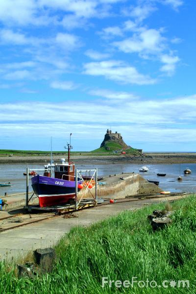 Picture of Holy Island - Free Pictures - FreeFoto.com