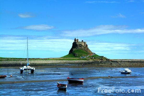 Picture of Lindisfarne castle. - Free Pictures - FreeFoto.com