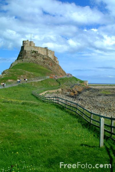 Picture of Lindisfarne Castle - Free Pictures - FreeFoto.com
