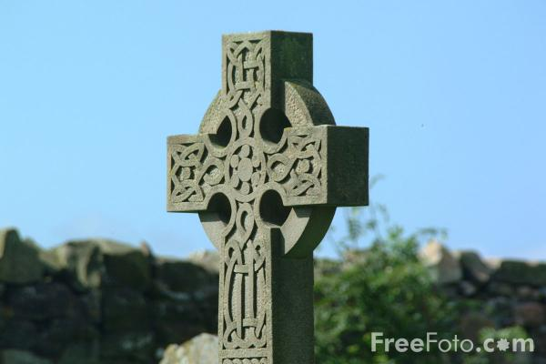 Picture of Celtic Cross, The Parish Church of St.Mary the Virgin, Holy Island - Free Pictures - FreeFoto.com