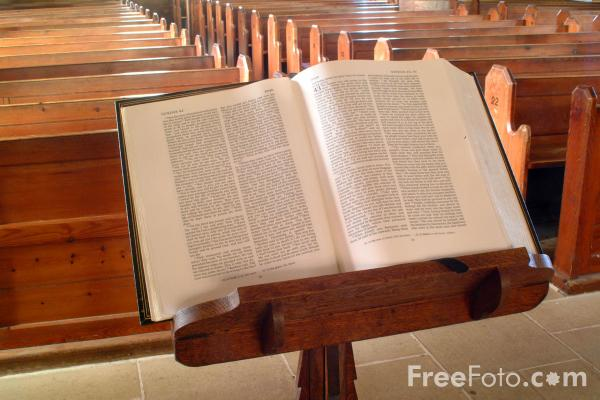 Picture of Pulpit Bible, The Parish Church of St.Mary the Virgin, Holy Island - Free Pictures - FreeFoto.com