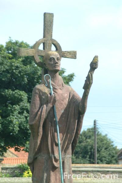 Picture of Statue of Saint Aidan - Free Pictures - FreeFoto.com