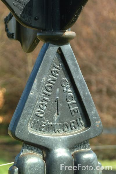 Picture of National Cycle Network Sign Post, Woodhorn Colliery, Northumberland - Free Pictures - FreeFoto.com