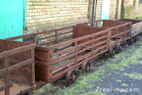 Picture of Rusty Old Trucks, Woodhorn Colliery, Northumberland - Free Pictures - FreeFoto.com