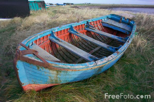 Picture of Old Rowing Boat, Holy Island, Northumberland - Free Pictures - FreeFoto.com
