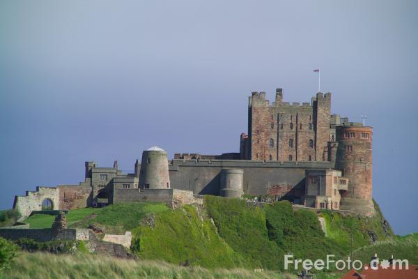 Picture of Bamburgh and Bamburgh Castle - Free Pictures - FreeFoto.com