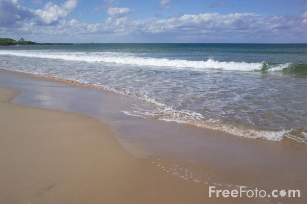 Picture of Northumberland Coastline, Bamburgh - Free Pictures - FreeFoto.com