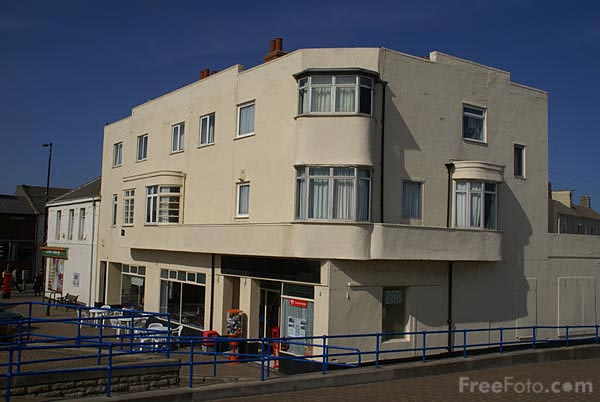 Picture of Cafe, Newbiggin By The Sea - Free Pictures - FreeFoto.com