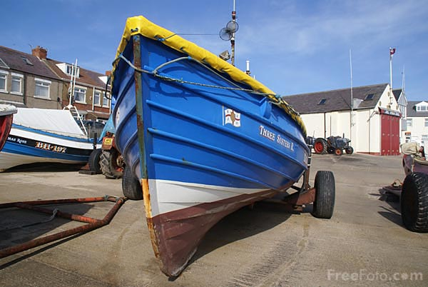 Picture of Northumbrian fishing cobles - Free Pictures - FreeFoto.com