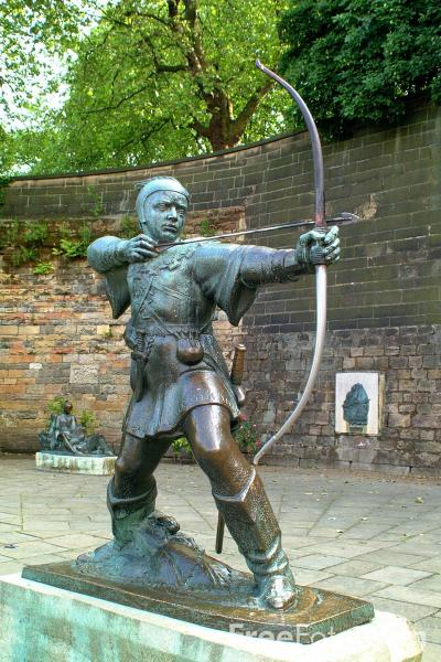 Picture of Robin Hood Statue - Robin Hood is the world's best loved outlaw - Free Pictures - FreeFoto.com
