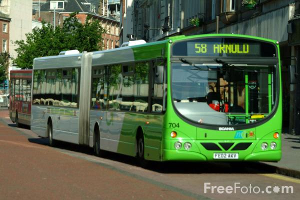Picture of Nottingham City Transport Articulated Bus - Free Pictures - FreeFoto.com