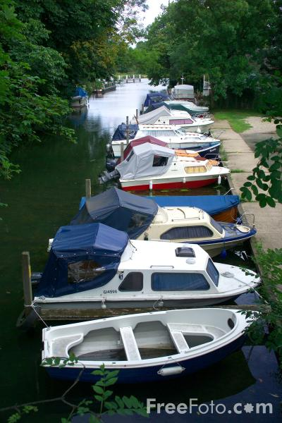 Picture of Goring Gap, River Thames - Free Pictures - FreeFoto.com