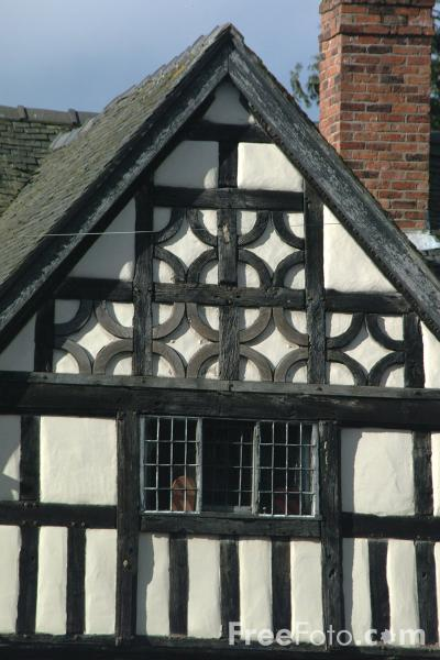 Picture of Old timber framed house, Oswestry, Shropshire, England - Free Pictures - FreeFoto.com
