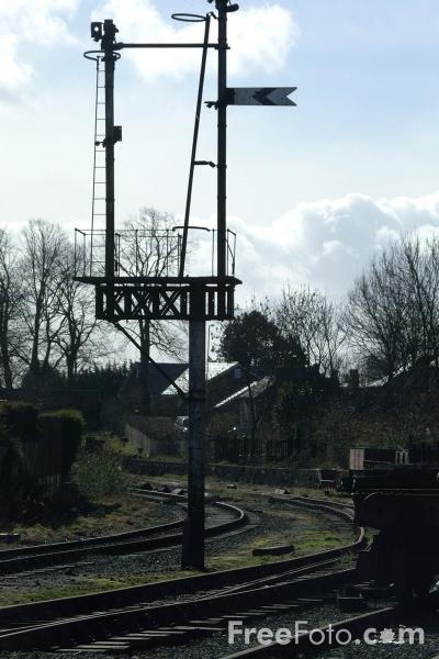 Picture of Disused railway tracks, Oswestry, Shropshire, England - Free Pictures - FreeFoto.com