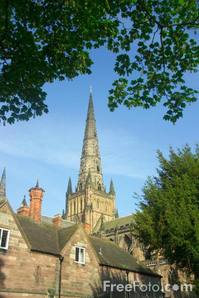 Picture of Lichfield Cathedral - Free Pictures - FreeFoto.com