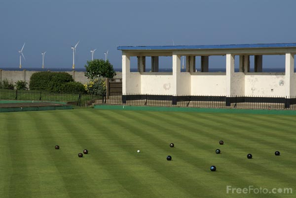 Picture of Lawn Green Bowls, Great Yarmouth - Free Pictures - FreeFoto.com