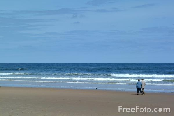 Picture of Long Sands Beach, Cullercoats - Free Pictures - FreeFoto.com