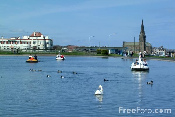 Picture of Boating Lake, Cullercoats - Free Pictures - FreeFoto.com