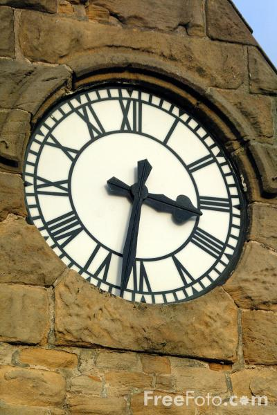 Picture of Clock, Cullercoats - Free Pictures - FreeFoto.com
