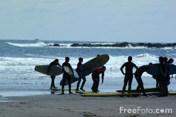 Picture of Surfing, Cullercoats - Free Pictures - FreeFoto.com