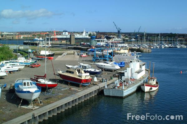 Picture of Royal Quays Marina, North Shields - Free Pictures - FreeFoto.com