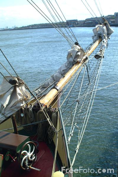 Picture of De Tukker, Dutch sail training 100ft schooner, North Shields - Free Pictures - FreeFoto.com