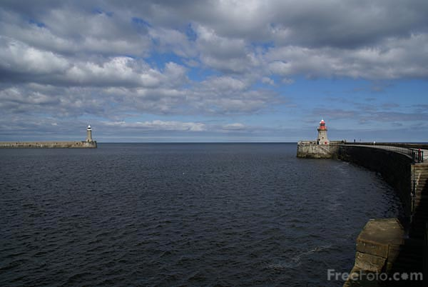 Picture of Mouth of the River Tyne - Free Pictures - FreeFoto.com